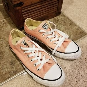 PINK ALL STAR CONVERSE SIZE 7